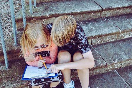 children-learn-foreign-language-in-summer